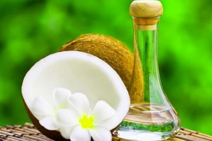 6 Hair Problems That Could Be Solved Using Coconut Oil